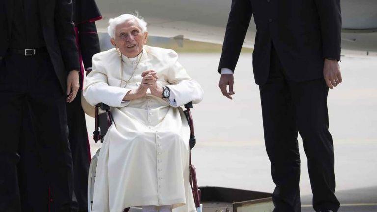 Ratzinger ha expresado su deseo de reposar en la antigua tumba de su predecesor, el papa Juan Pablo II, en la cripta de San Pedro. Foto: EFE