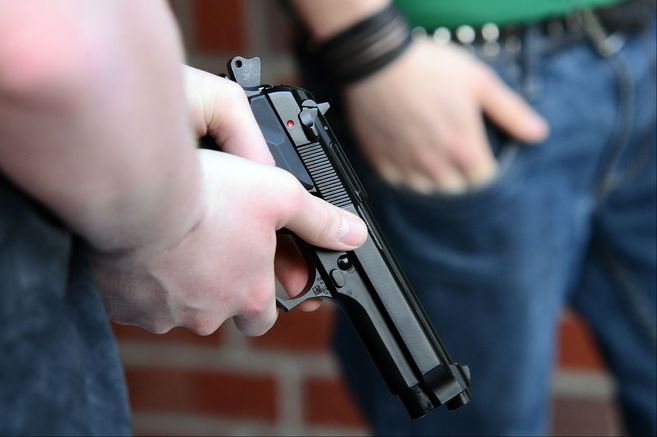 Los resultados dejaron 12 detenidos por tráfico de drogas y muertes violentas.