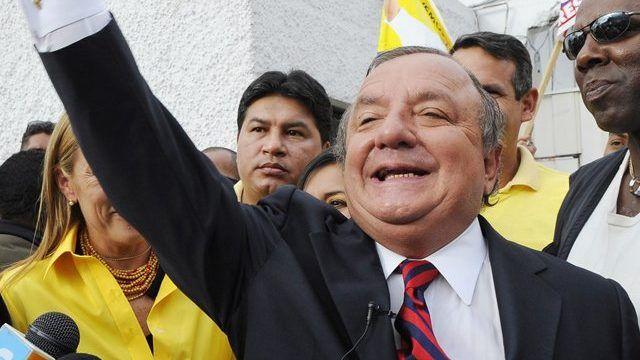 Noboa también fue candidato presidencial en los comicios de 1998, 2002, 2006, 2009 y 2013.