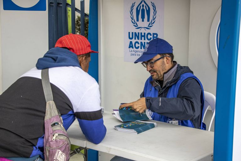 """El proceso de regularización inició el año pasado con la aprobación del llamado """"Decreto Ejecutivo 826"""" para normalizar la situación migratoria de los venezolanos, tras un inusual aumento del flujo de migrantes de esa nacionalidad en la región."""