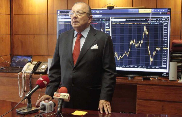 El empresario guayaquileño y principal líder del partido Adelante Ecuatoriano Adelante, Álvaro Noboa Pontón, dijo estar dispuesto a abandonar su candidatura presidencial, con tal de no fraccionar más votos.