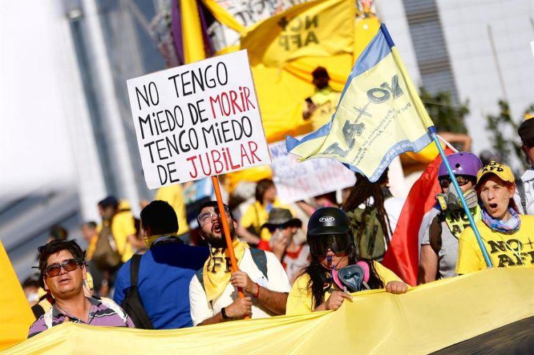 Los fondos de pensiones están cobrando más atención que nunca en América Latina, en medio de una pandemia que está impactando la capacidad económica en general. Foto: EFE.