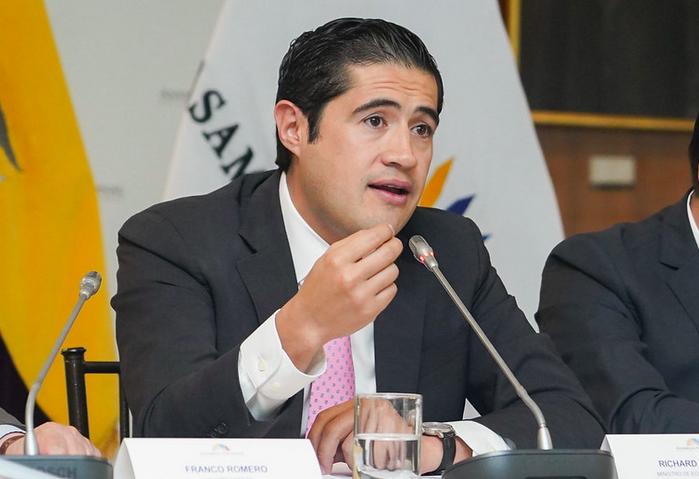 El 20 de julio Ecuador presentó su propuesta que fue aceptada por el 98,5% de los bonistas.