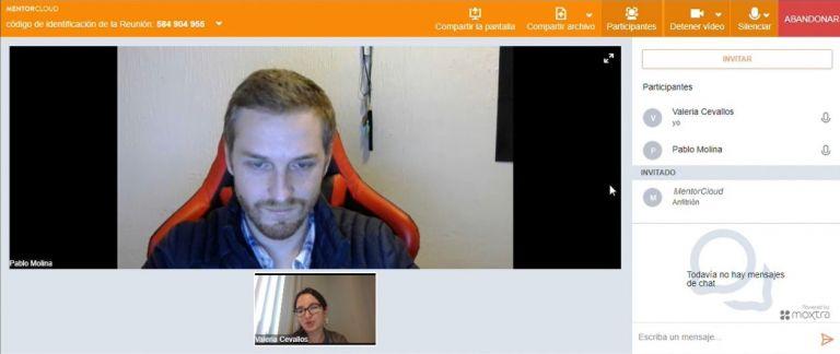 A través de la plataforma de Exponencial los consultores y clientes interactúan durante una hora por sesión.