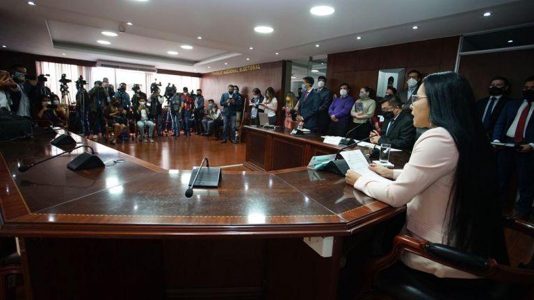 La decisión se toma tras el análisis de un informe técnico jurídico por parte de las áreas competentes, explicó Atamaint.
