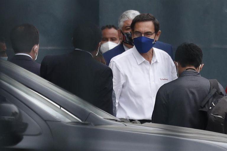 Vizcarra ya afrontó un juicio político por un pedido similar en septiembre pasado, tras ser vinculado con la aparente contratación irregular de un cantante. Foto: EFE