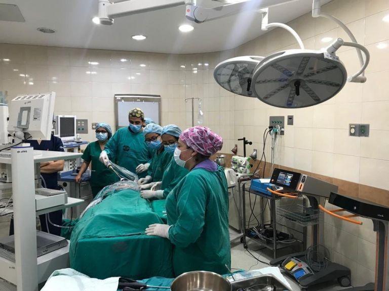 El Hospital Enrique Garcés, en Quito, implementó la tecnología ultrasónica en sus procedimientos quirúrgicos. Foto cortesía.