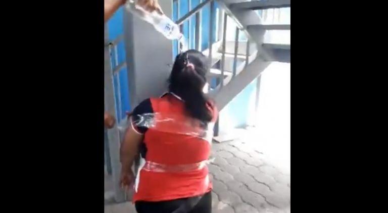El video de la agresión en Durán fue difundido por redes sociales.