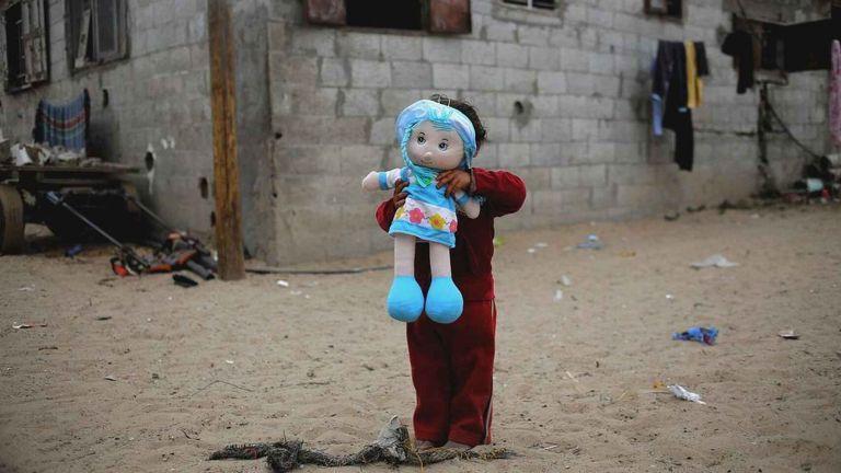 El Banco Mundial y la  Unicef indican que  356 millones de niños viven en situación de pobreza extrema. Foto: EFE