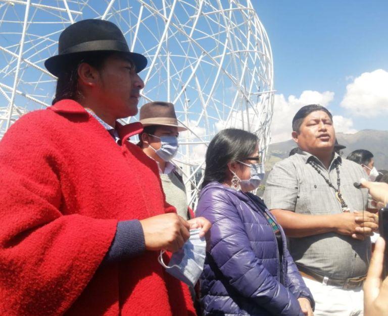 Jaime Vargas y Leonidas Iza acudieron al edificio de la Fiscalía a rendir su versión.