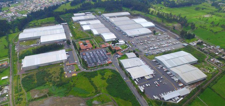 El Centro de Distribución de Corporación Favorita se ubica en la localidad de Sangolquí, cercano a Quito, en la provincia del Pichincha. Es la empresa privada que más facturó en el Ecuador, con $2.105 millones en 2019.