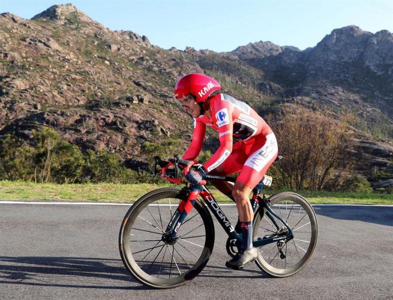 Richard Carapaz se ubicó séptimo en la etapa de contrarreloj. Foto: EFE.