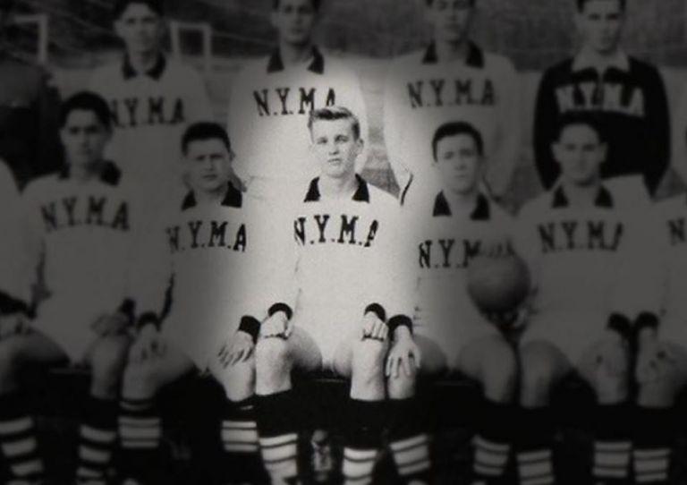 Trump afirma que fue un gran atleta en su juventud. Aquí aparece como miembro del equipo de fútbol de la Academia Militar de Nueva York de 1964. Foto: Classmates.