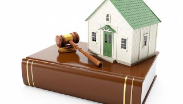 Las juezas y jueces especializados en el juzgamiento de delitos relacionados con corrupción y crimen organizado serán competentes para sustanciar el procedimiento de extinción de dominio.