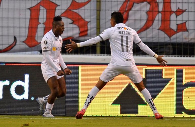 Liga de Quito ganó la primera etapa del campeonato y ya aseguró su participación en la final del campeonato nacional. Foto: EFE.