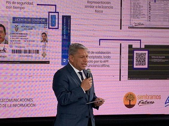 Desde el 1 de enero del 2021, los conductores de Ecuador podrán acceder a la licencia de conducir digital en su teléfono.