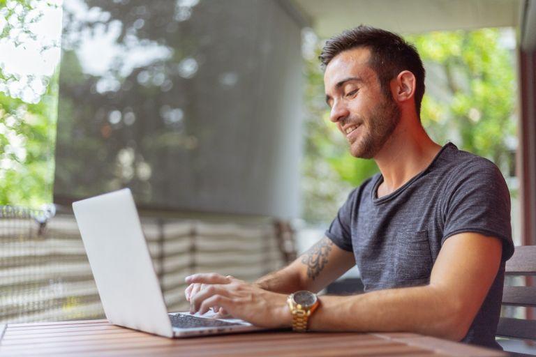 El orientador virtual es un elemento que puede guiar a los jóvenes en la profesión que mejor se adapta a su perfil y sus objetivos. Foto cortesía.