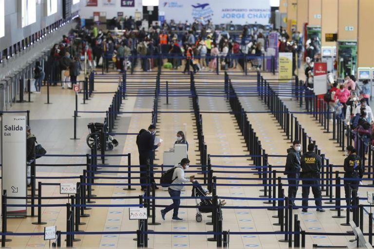 A todo esto se suma la suspensión de las rutas aéreas con el Reino Unido. Foto: EFE
