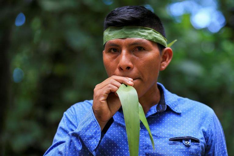Juan Enomenga, líder de la comunidad de Miwaguno, un pequeño poblado junto al parque nacional Yasuní.