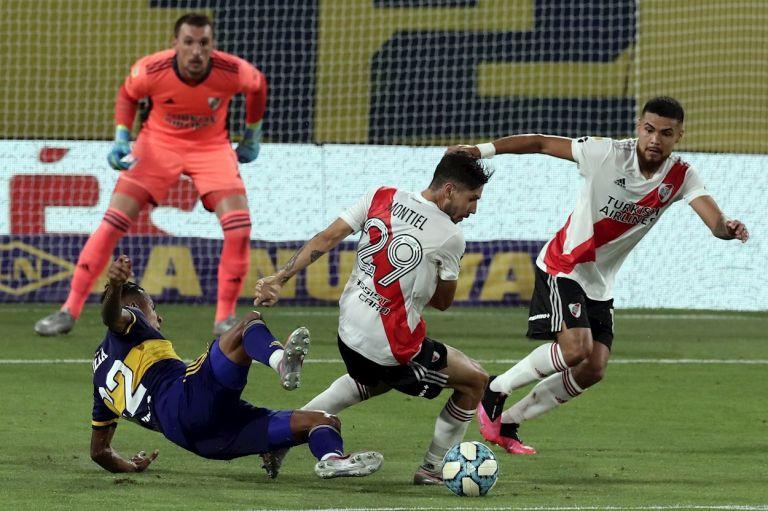 En un partido intenso y cambiante, River Plate fue el que mejor juego demostró en La Bombonera; pero a seis minutos del final, Boca Juniors lo empató y determinó el reparto de puntos.