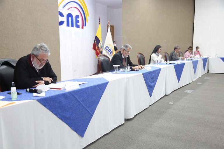 El consejero Luis Verdesoto afirmó a Vistazo que la sentencia del juez Ángel Torres pone en riesgo las elecciones, porque dos días antes no habrá un ente administrador. Foto: CNE.