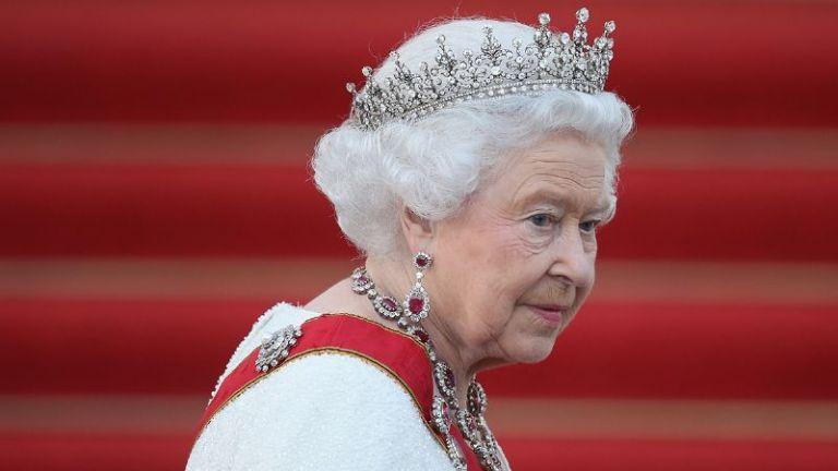 """La prensa británica ha calificado a su familiar como """"el primo depredador de la reina""""."""