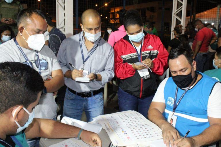 CNE volverá a contar votos en 17 provincias — Elecciones en Ecuador