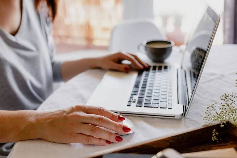 Las empresas solicitan empleados con formación o experiencia en la analítica de datos, el manejo de las redes sociales y comunicación en la nube, según la consultora Deloitte.