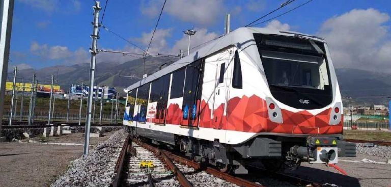 El Metro de Quito tiene capacidad de hasta 1.500 personas por viaje. Foto: @MetrodeQuito