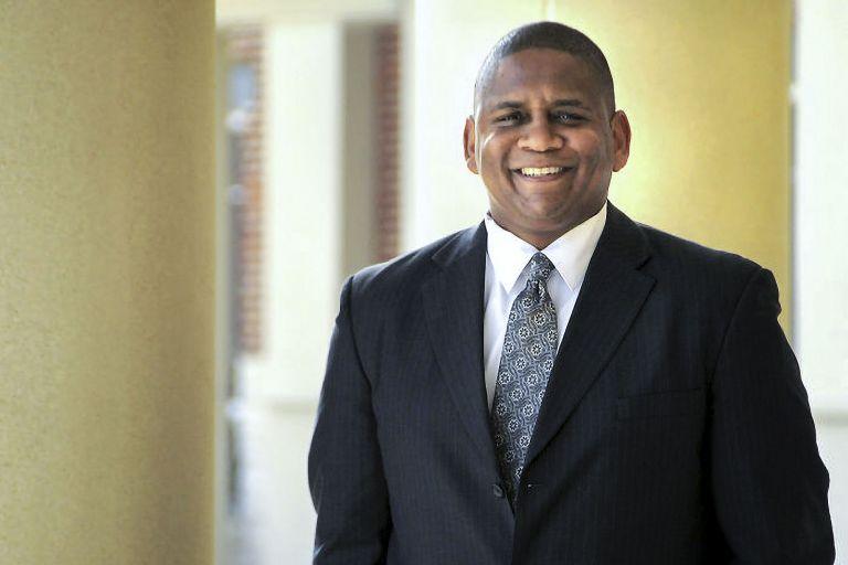 John Hollis no solo evitó la muerte, ahora puede ayudar a otros.  Foto: Cortesía/Universidad de Virginia