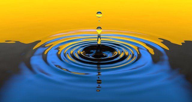 Es tan común encontrar agua que para muchas personas se torna casi invisible, pero la molécula del agua es muy rara desde el punto de vista de sus propiedades fisicoquímicas. Foto: Pixabay