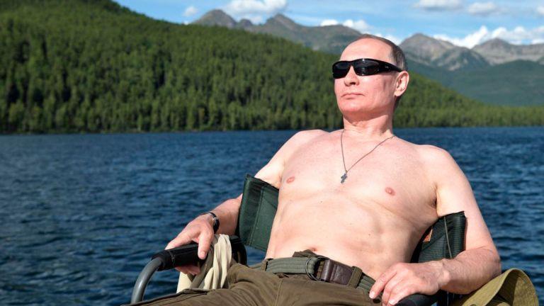 Este tipo de imágenes son difundidas por el Gobierno ruso para demostrar que su presidente, Vladimir Putin, mantiene una figura fuerte, atlética y vigorosa, a pesar de sus 68 años.