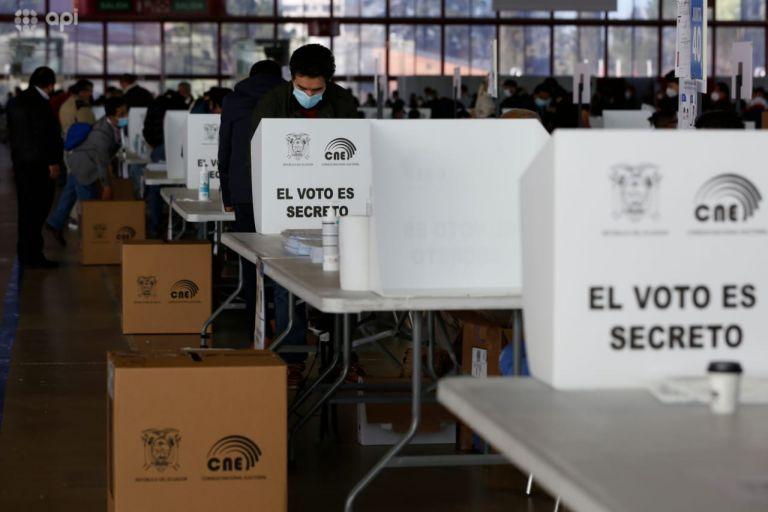 Para acoger las votaciones, el consulado ha dispuesto 62 mesas electorales.