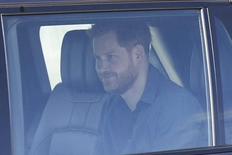 El Palacio de Buckingham anunció el viernes que el príncipe Harry estará entre los familiares presentes en la ceremonia. Foto: Captura