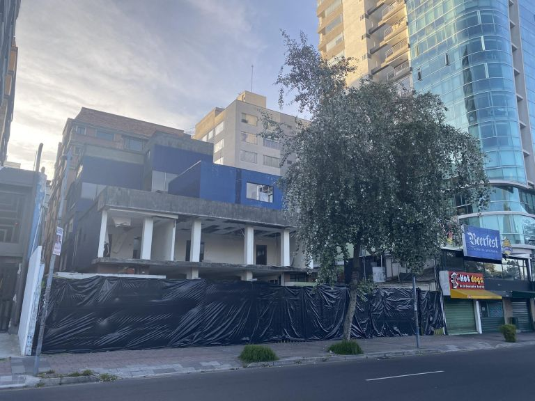 La sede del movimiento creado por Rafael Correa fue vendida a un grupo económico de Quito. Foto: Cortesía