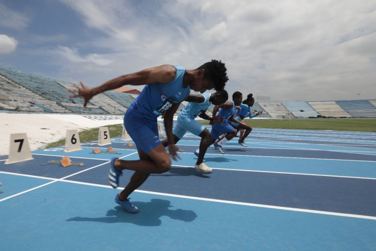 Moreno aseguró que la construcción cuenta con la certificación de la World Atletics, que antes era llamada Federación Internacional de Atletismo.