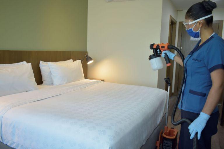 La limpieza y desinfección de las habitaciones son parte de las medidas que se aplican en los hoteles del Grupo SIXSTAR Hotels.