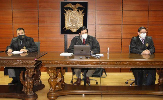 Cruz y Calderón fueron parte de la comisión técnica que viabilizó la asignación del contrato de construcción del Hospital de Pedernales al Consorcio Pedernales Manabí.