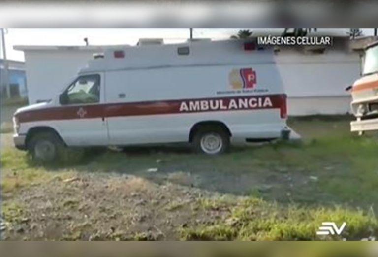 En el hospital de Milagro también hay una segunda unidad móvil dañada, desde que empezó la pandemia. Además, existen dos ambulancias de la institución en las mismas condiciones. Foto: Vision 360