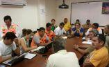 Autoridades en reunión de COE. Foto: Parque Nacional Galápagos