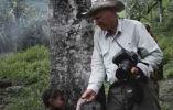 El documental narra el periplo del fotógrafo Sebastiao Salgado durante sus viajes para retratar territorios vírgenes alrededor del mundo.