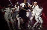 Justin Bieber presentó varias canciones en la ceremonia.