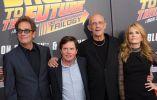 Músico Huey Lewis y los actores Michael J. Fox, Christopher Lloyd y Lea Thompson asistir a la Volver a la proyección futura del 30 Aniversario en la ciudad de Manhattan de Nueva York. Foto: REUTERS