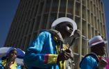 Este día ha sido muy especial para esta comunidad coulored, gran parte descendiente de los esclavos que trajeron de Asia cuando que la Compañía Holandesa de las Indias Orientales estableció su base en Ciudad del Cabo en 1652.