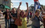 """Cubanos celebran """"la libertad"""" en Miami, Estados Unidos."""
