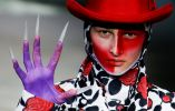 Creación de Hu Sheguang en la Semana de la Moda China en Beijing