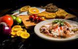 Un clásico de la gastronomía ecuatoriana, el ceviche mixto, en Montañita.